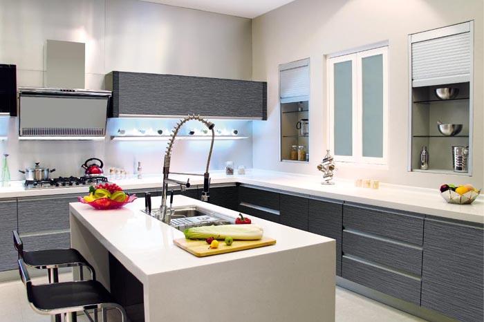 Tủ bếp PVC chữ L có bàn đảo